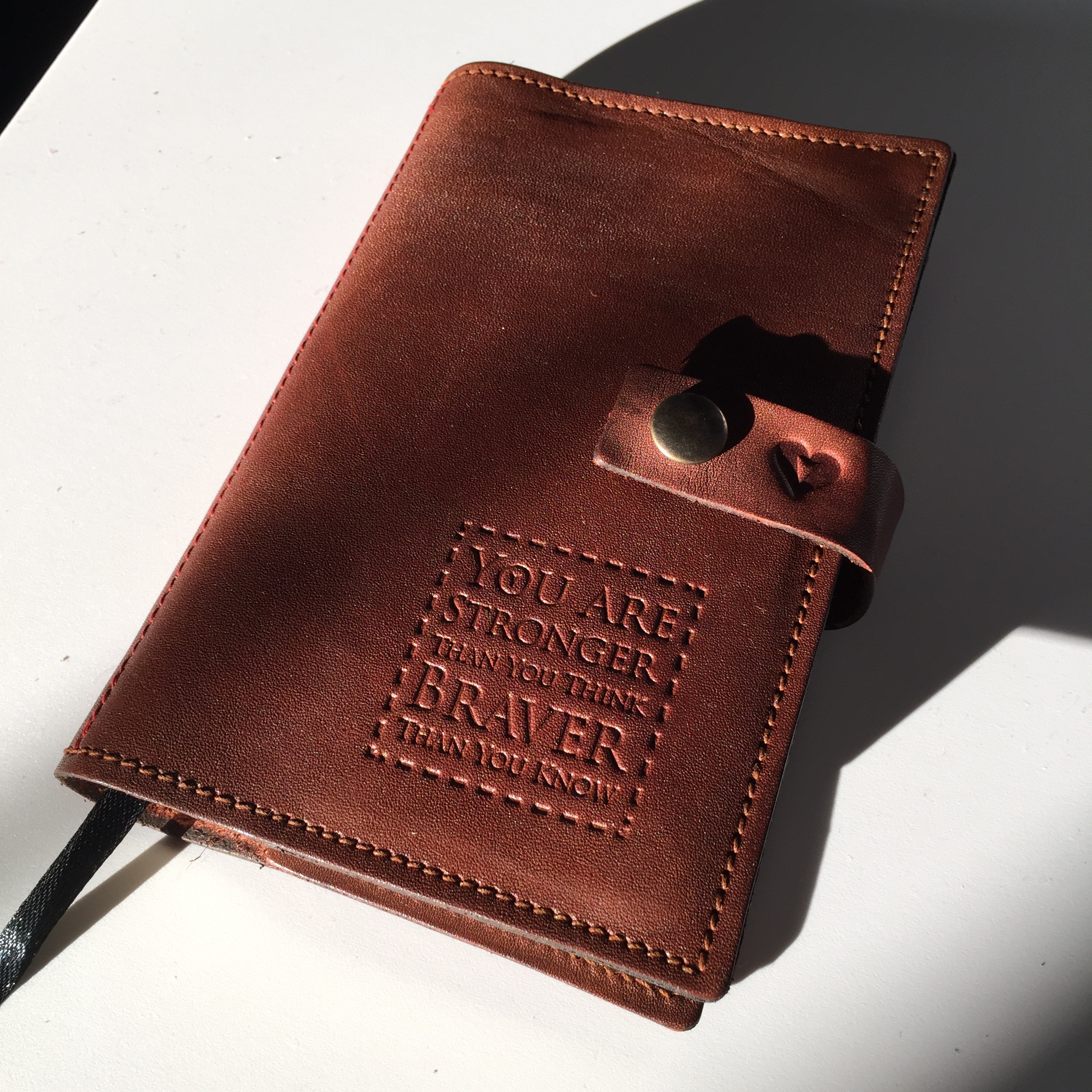 ©FizzArrow English vegetable tanned leather   A6 journal