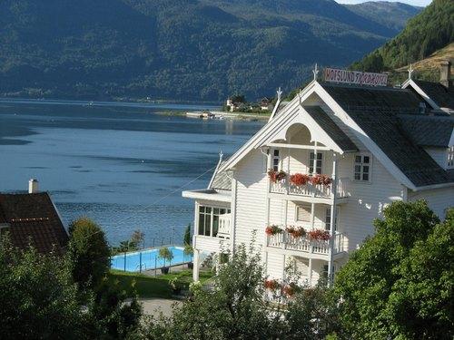Hofslund+hotel+basseng.jpg