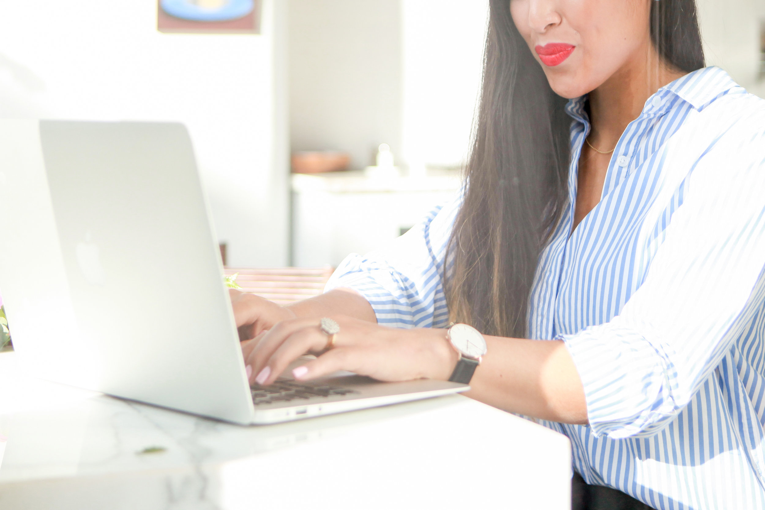 """<p><strong>Noteworthy Newsletters</strong>Membership program for female entrepreneurs<a href=""""/area-of-your-site"""">Access Course →</a></p>"""