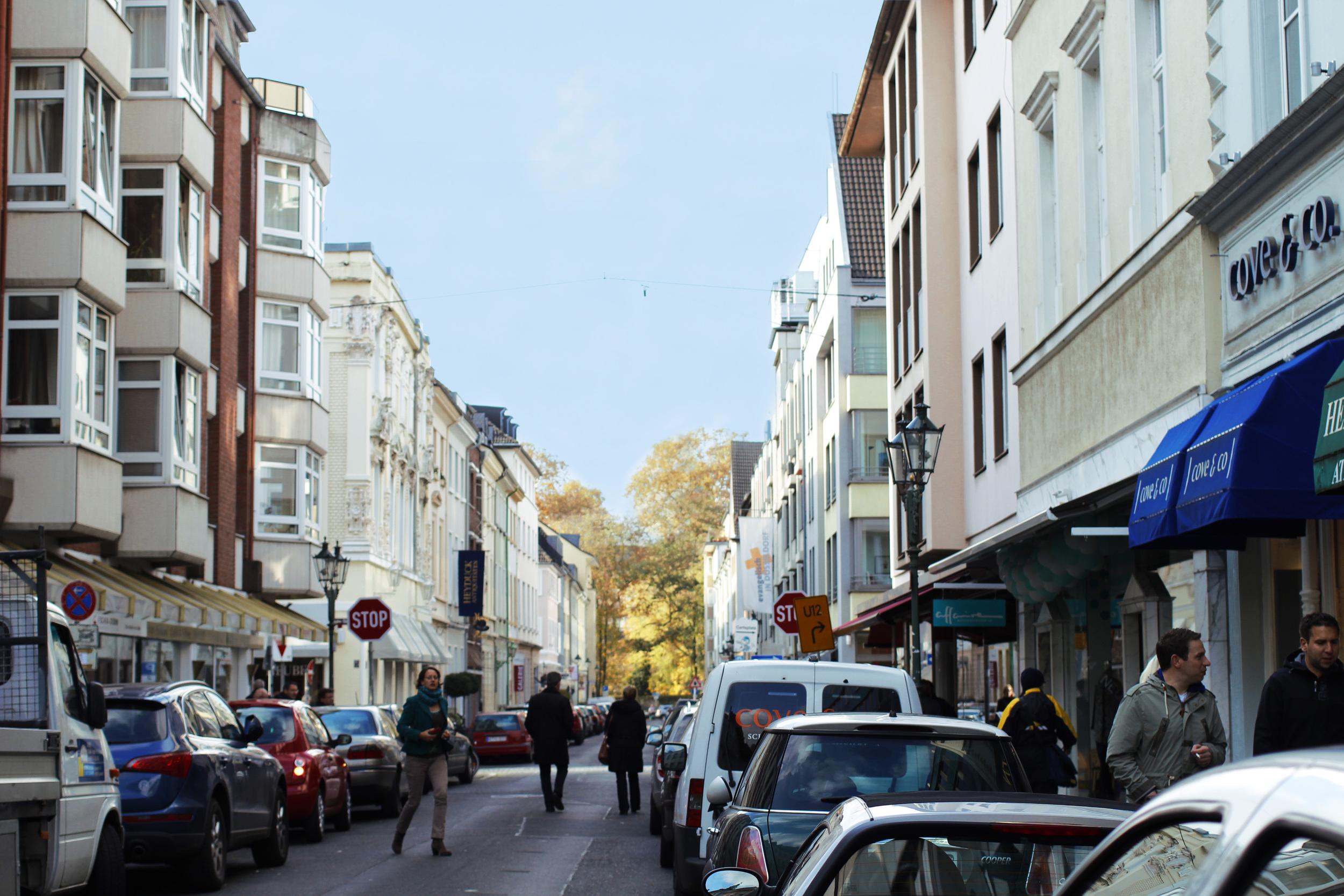 En vanlig vardag i Altstadt (Gamla Stan).