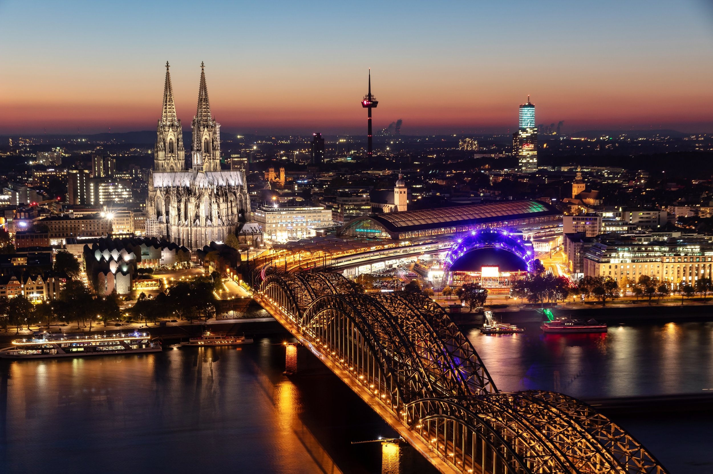 Kölner Dom Nacht.jpg