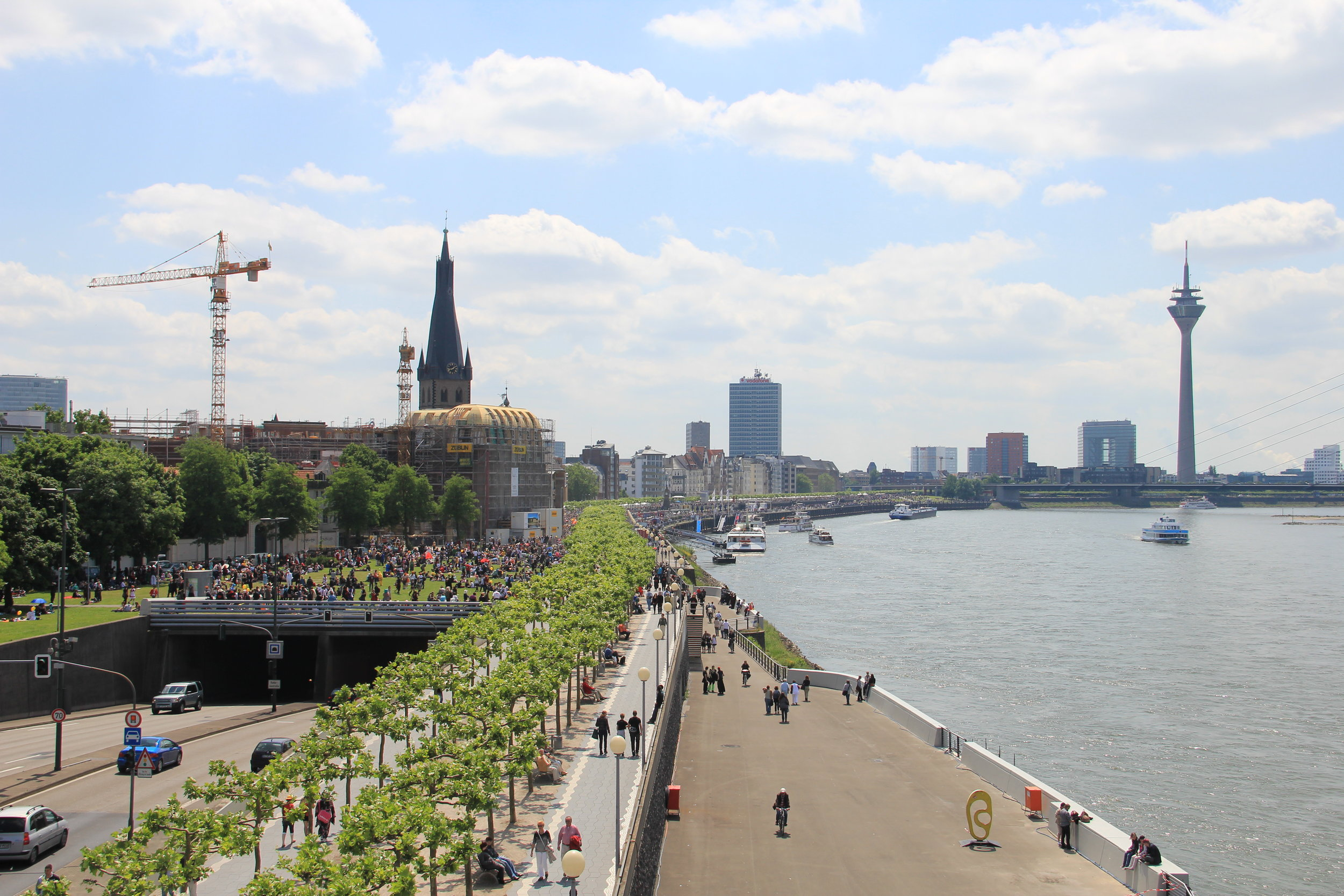 Rheinuferpromenade.JPG