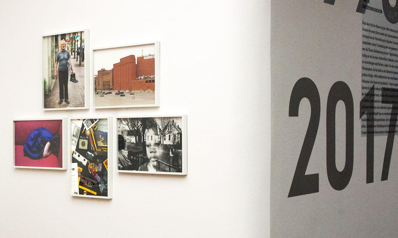 Gemeinschaftsprojekt: Rochester Project, Postcards from America.  Magnum-Fotografen erkundeten 2012 die Stadt Rochester, für die der nahende Bankrott des Kodak-Werks ein harter Schlag war.