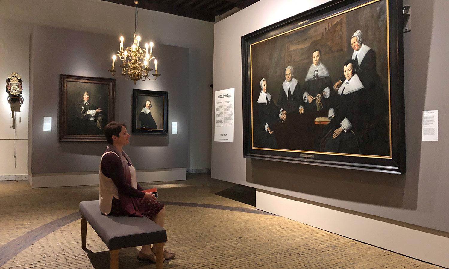 Das neue Raumdesign schafft eine ideale Atmosphäre für die Gemälde.