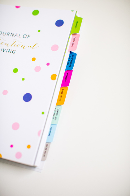 8 Tabs to separate your times with God: Prayers, Quiet Time, Favorite Scripture, Worship, Bible Study, Conference/Retreat, Journal, and Clear Your Mind. All your God moments in ONE place! Throw away your ten different journals! YES!