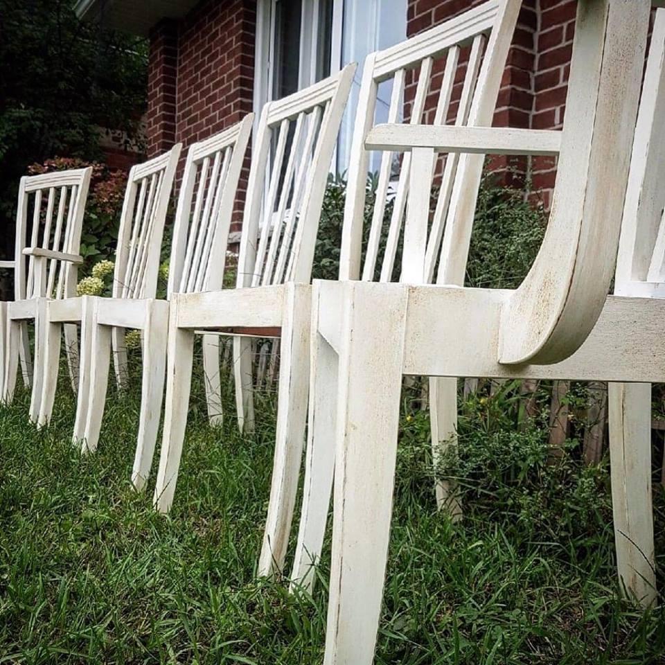 whitediningchairs.jpg
