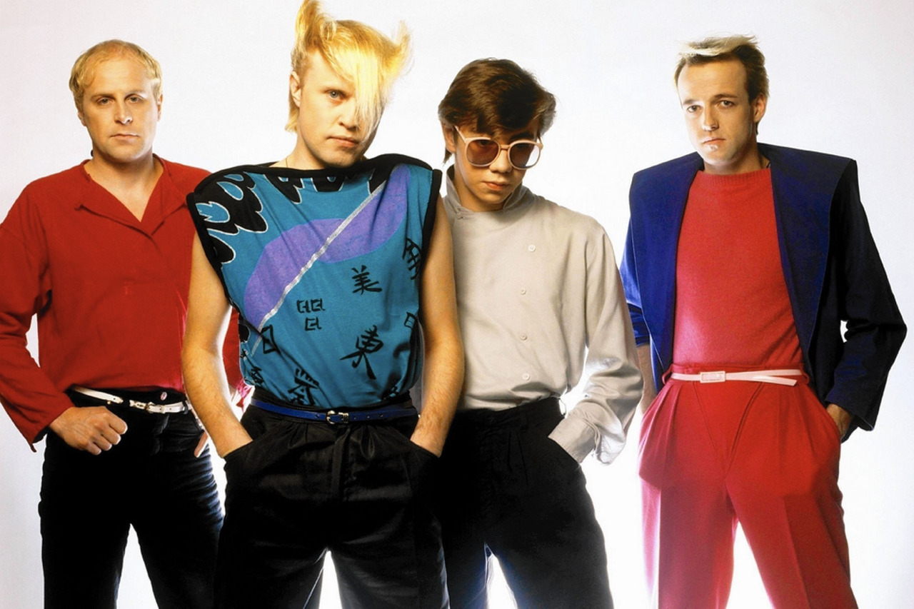 Flock Of Seagulls, English new wave/synthpop band, ca. 1982