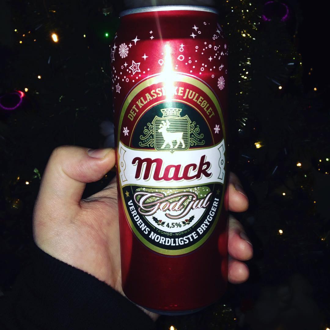 🍺🌲Ingen jul uten #mack #mackol #mackolbryggeri #juleøl