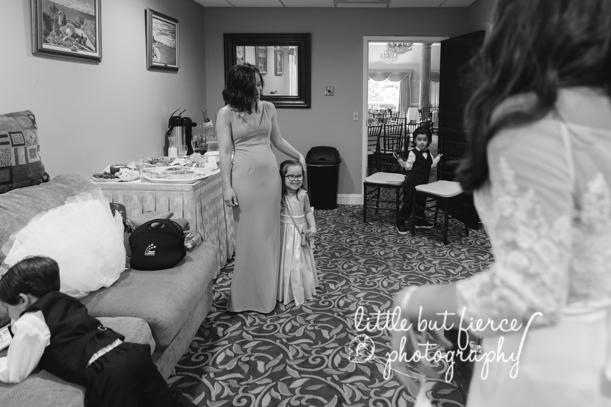 Hudson_Valley_Chateau_Wedding_Kingston_New_York_02.jpg