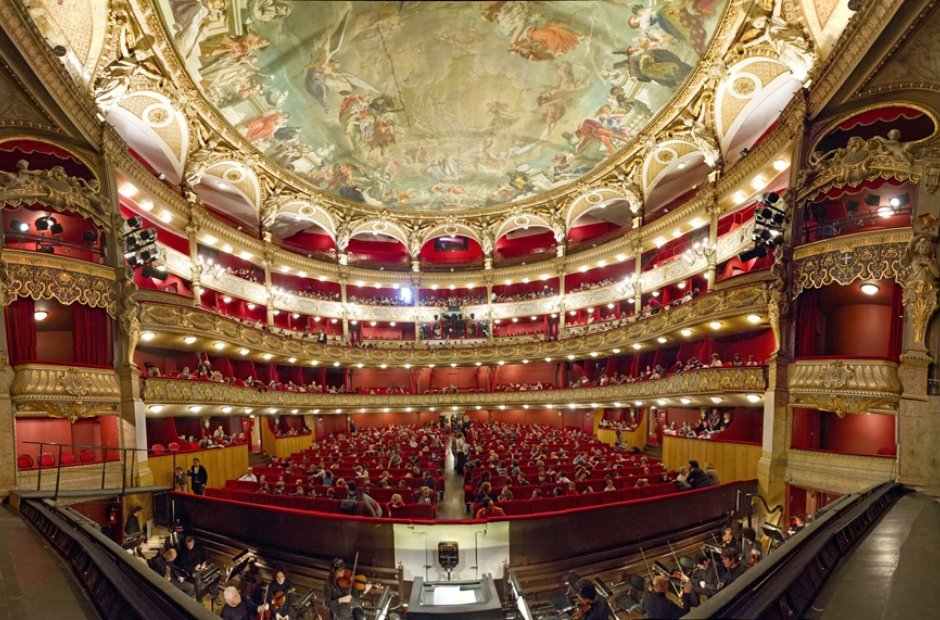classical-venues-france-2-1409327769-view-0.jpg
