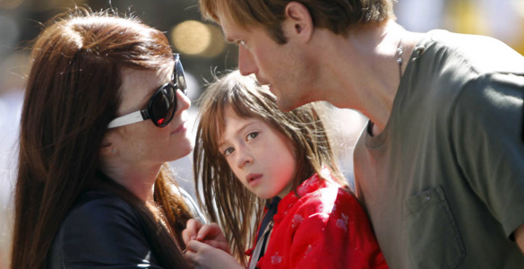 Susana (Julianne Moore), Lincoln (Alexander Skarsgård) and Maisie (Onata Aprile)