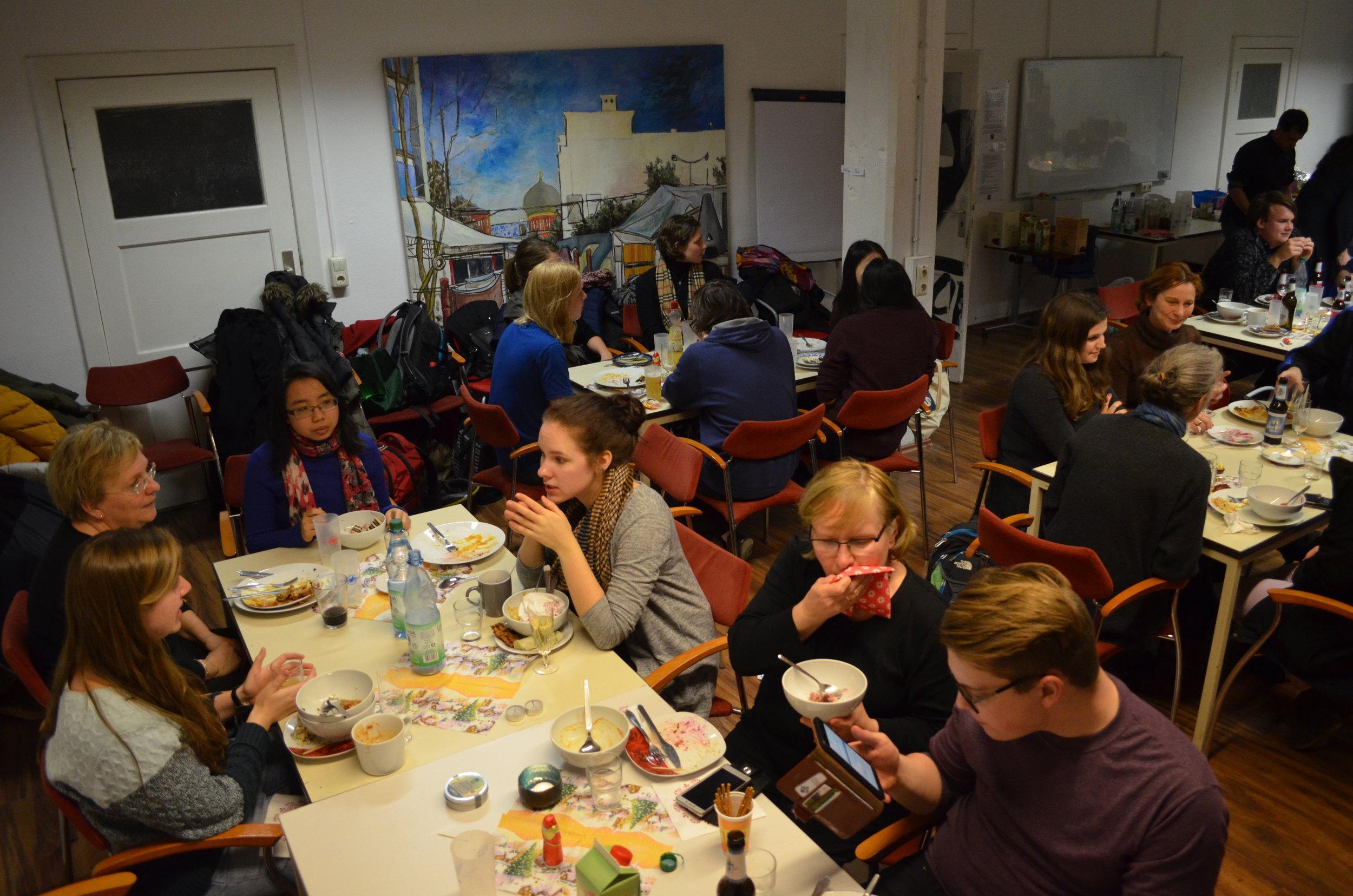 Potluck dinner with Internationalem Chor