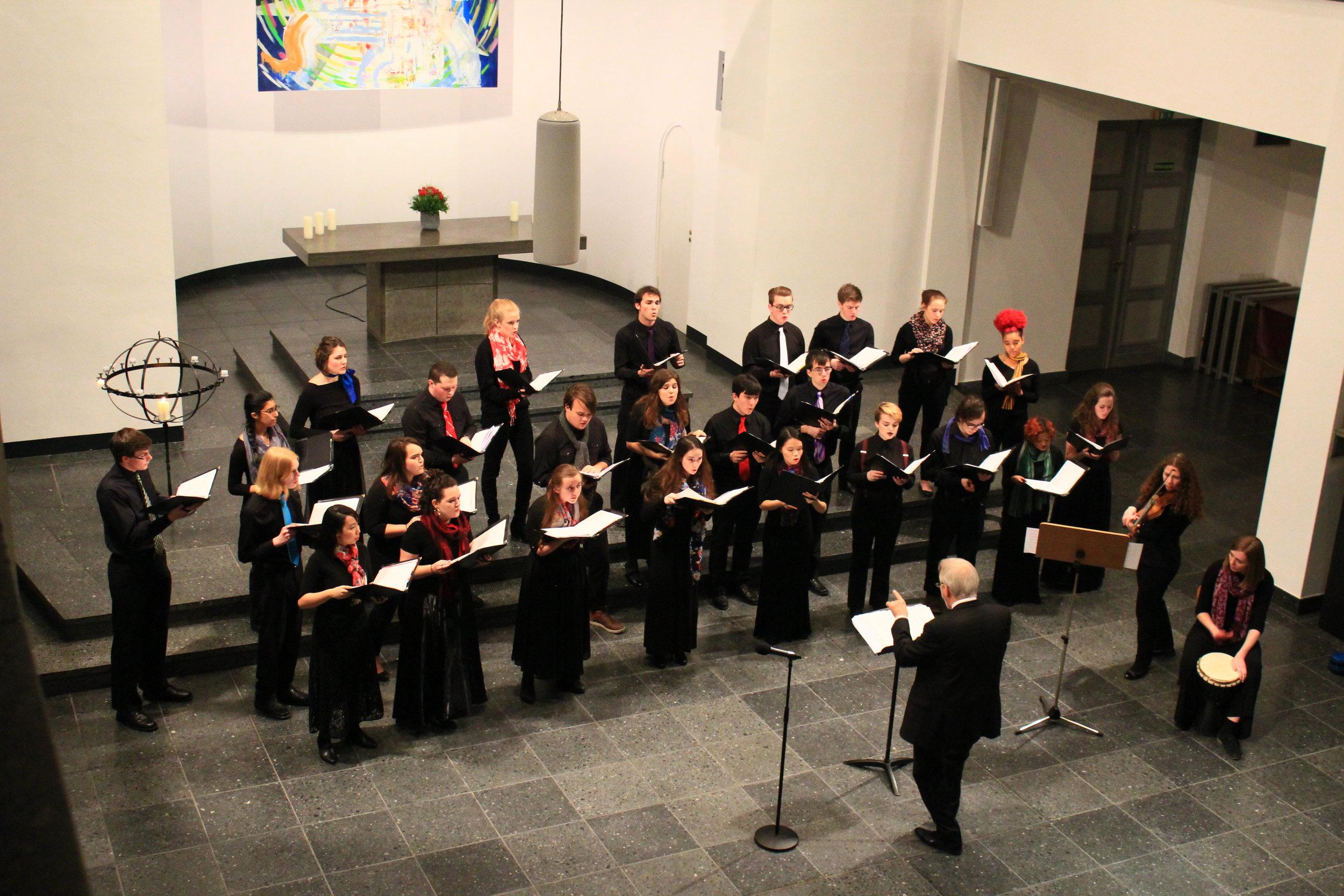 Chamber Singers performing 'Vogelgesang' in St. Matthäus Kirche