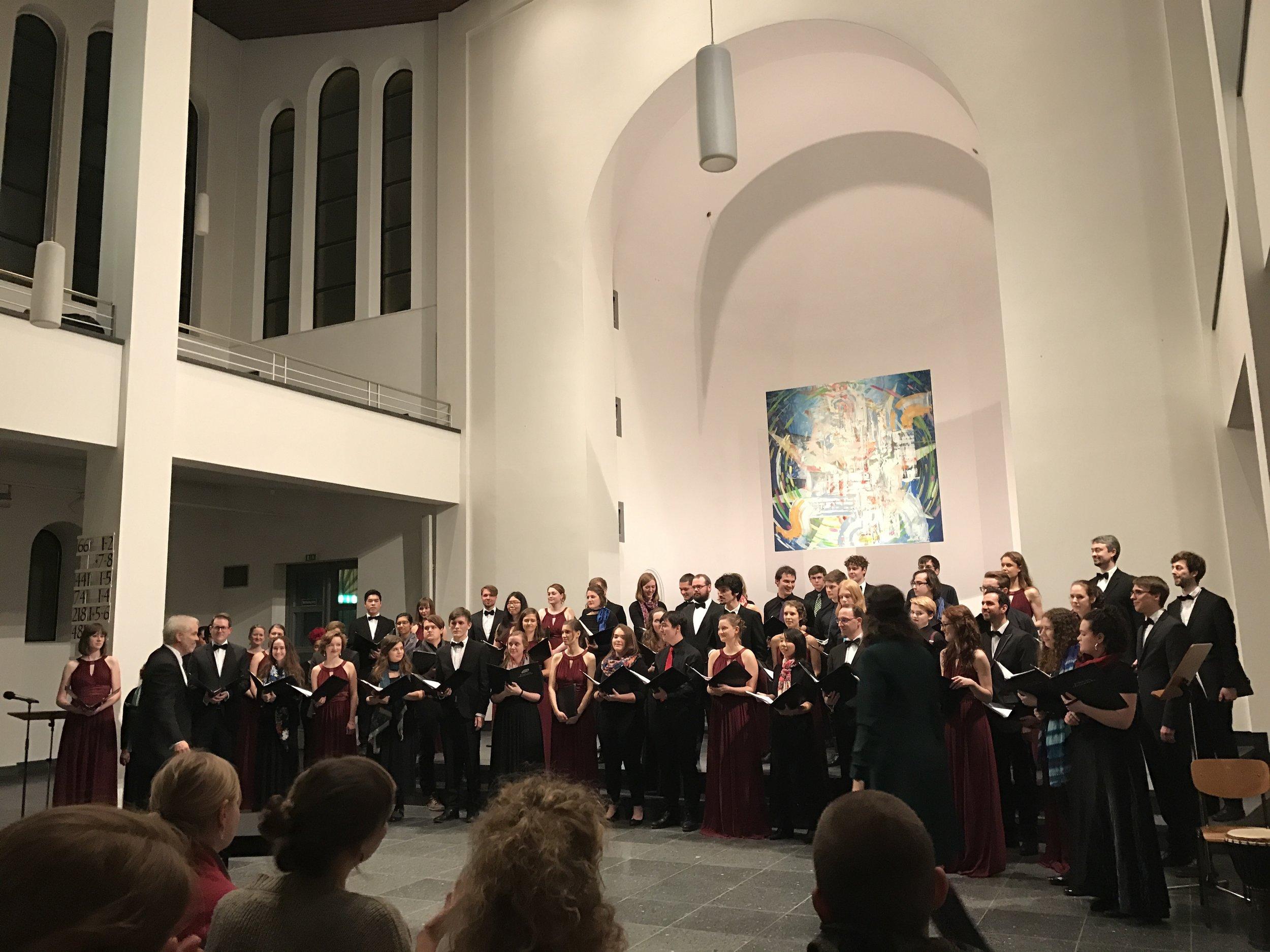 With Kammerchor des Collegium Musicum Berlin in St. Matthäus Kirche.