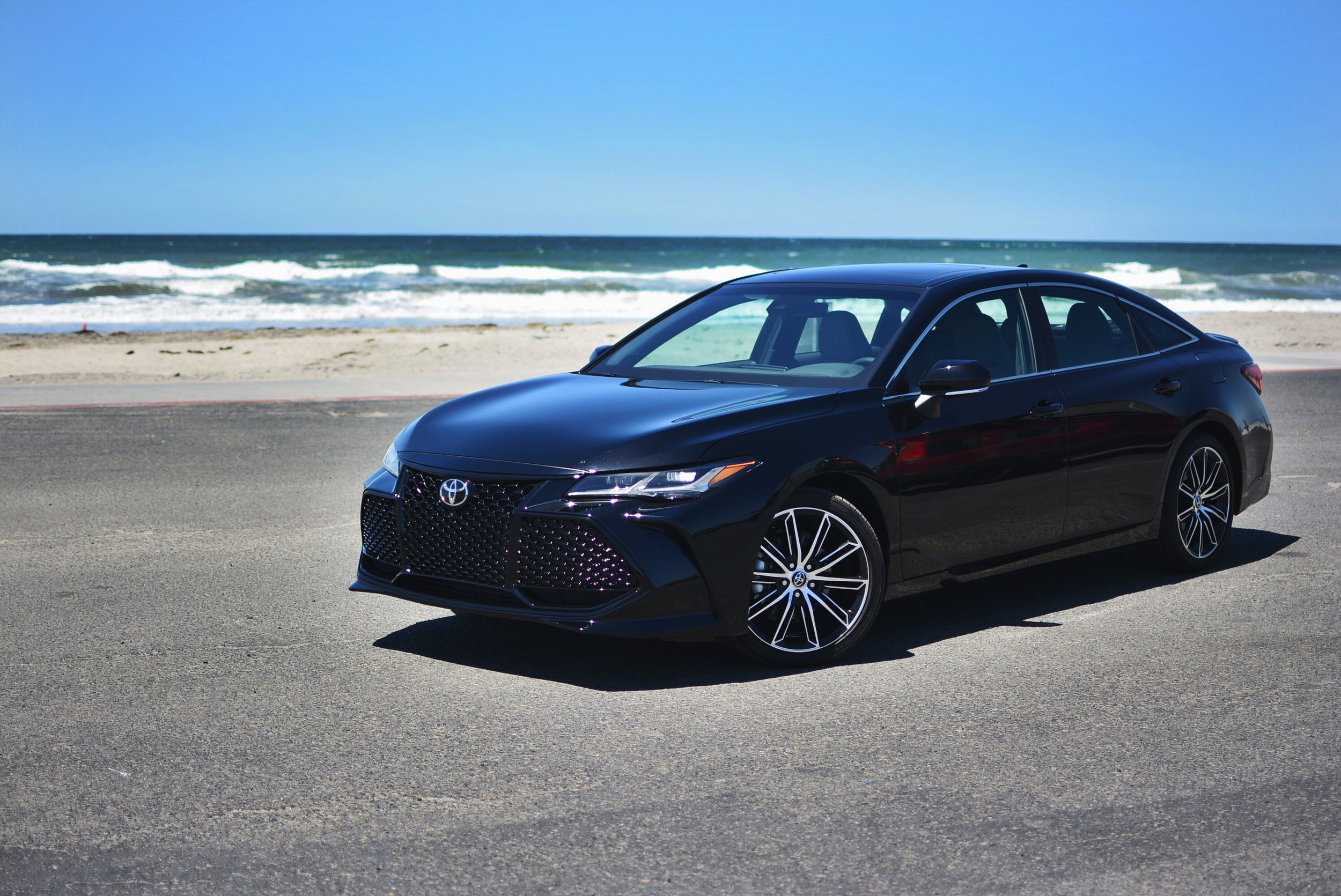 Review: Toyota Avalon    READ MORE