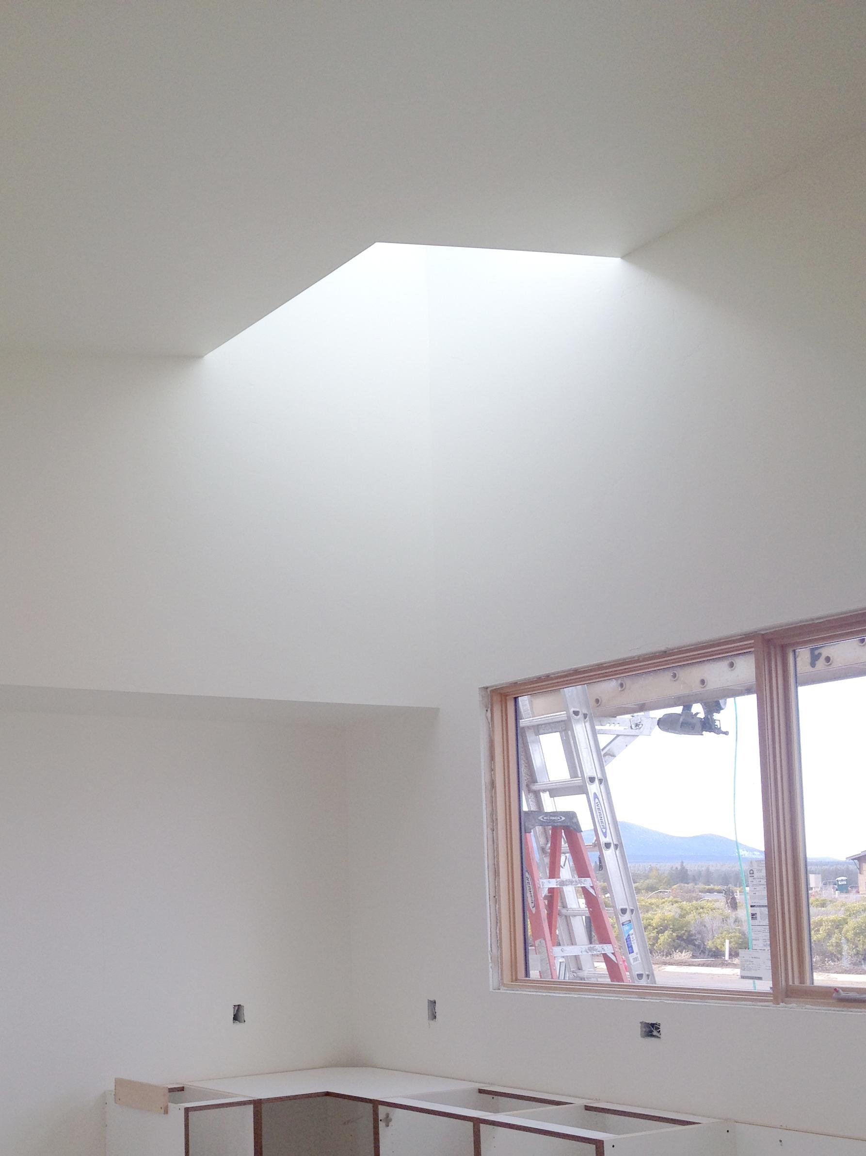 Nice sky-lit corner in the kitchen
