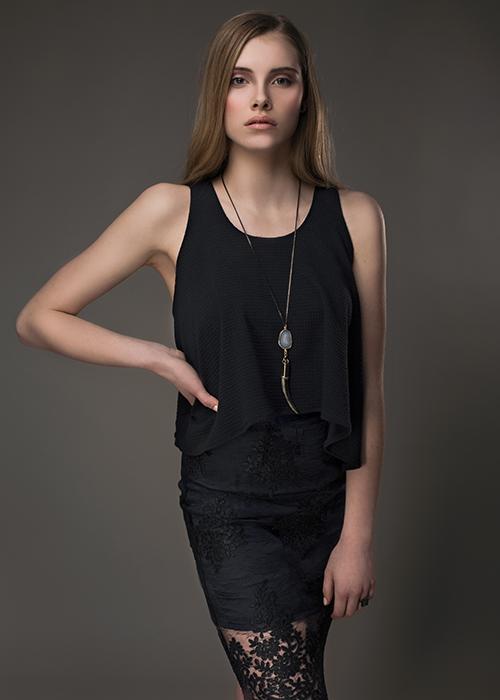 Wardrobe: Prahsik, Whiskey Teacup, Oneiro Designs