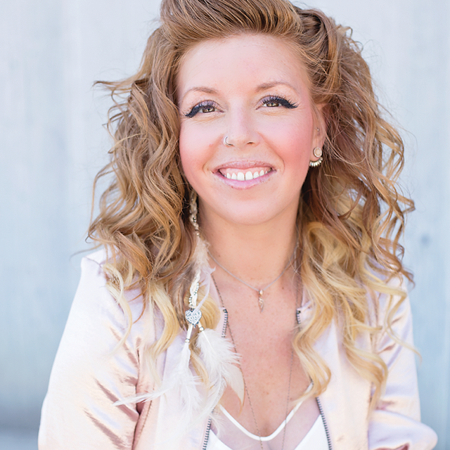 Mandy Pravda, Co-founder