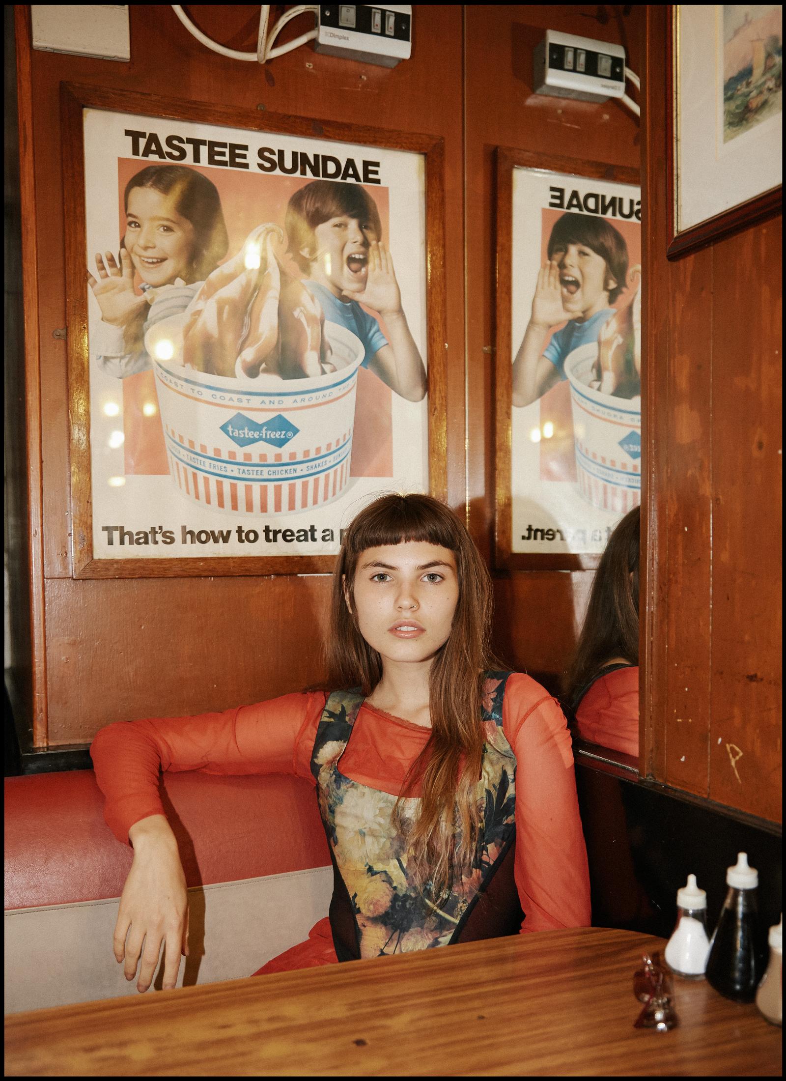 Interview#02AgelinaJesson_SINGLE_05.jpg