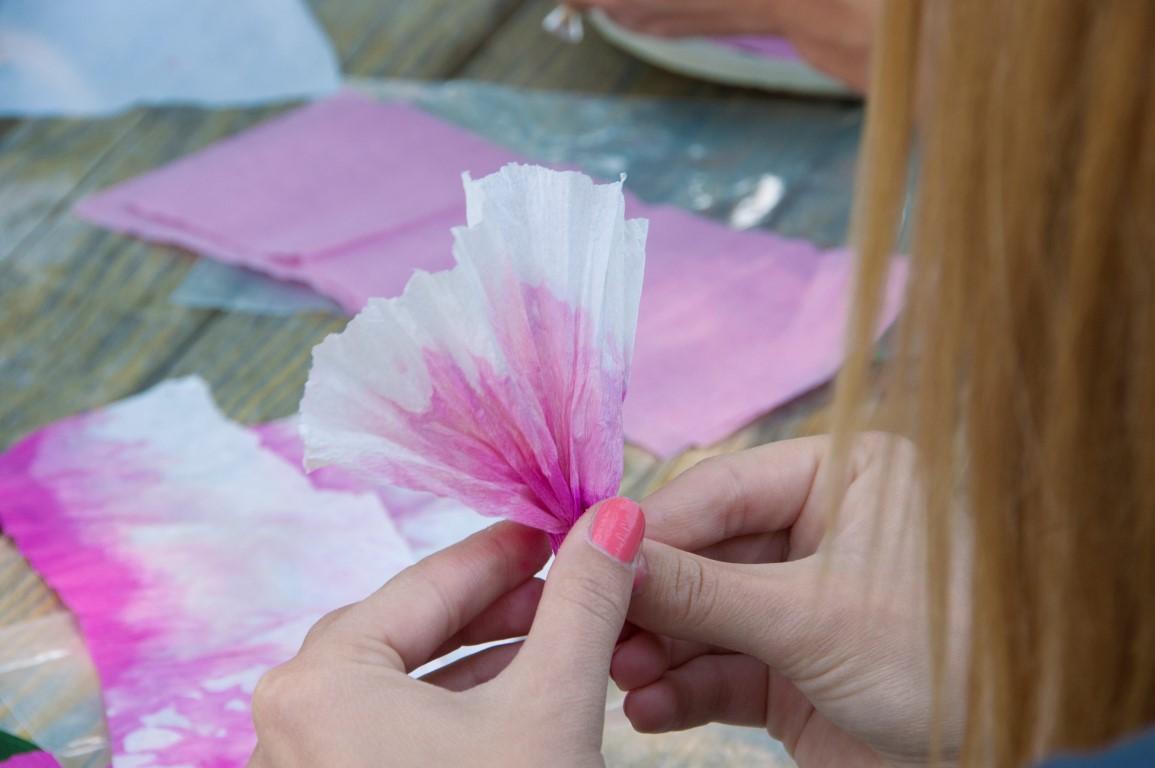 Shaping the petals.