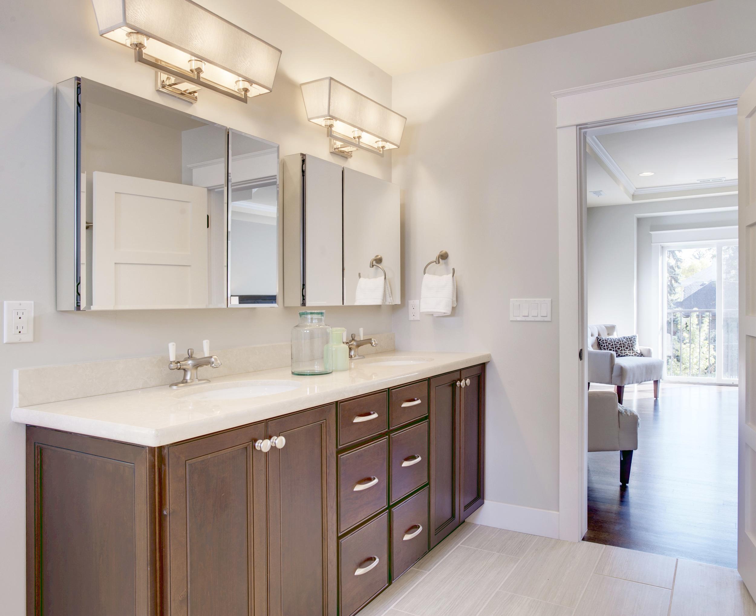 401_marion_st_MLS_HID899030_ROOMmasterbathroom-1.jpg