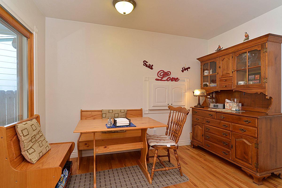 diningroom1_1200.jpg