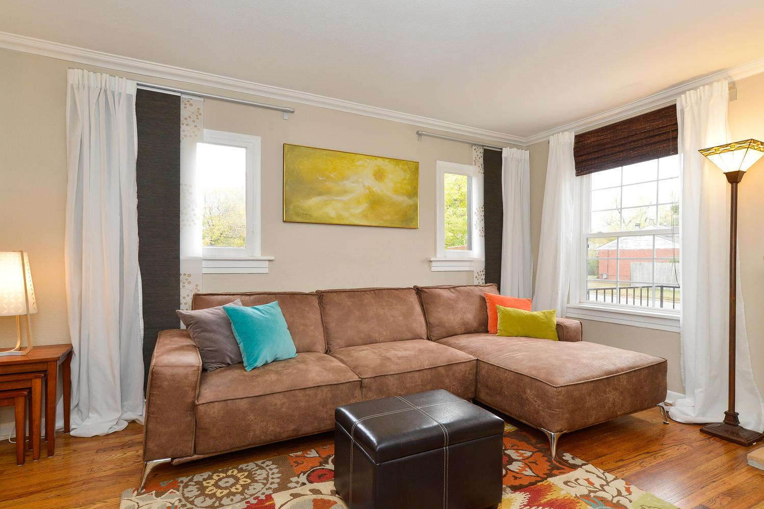 3115 E 37th Ave Denver CO-large-006-9-Living Room-1499x1000-72dpi.jpg