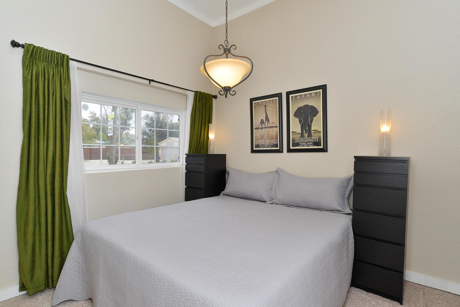 3115 E 37th Ave Denver CO-large-014-4-Master Bedroom-1499x1000-72dpi.jpg