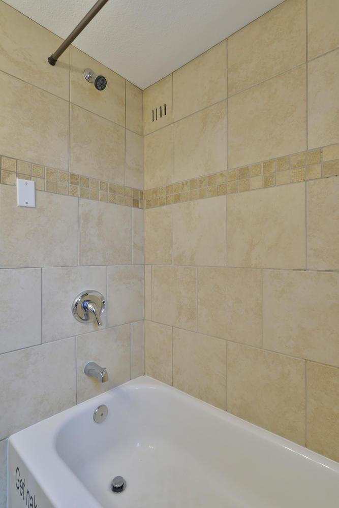 3115 E 37th Ave Denver CO-large-019-12-Bathroom-668x1000-72dpi.jpg