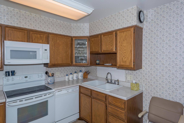 580 S Clinton St D Denver CO-large-007-12-Kitchen-1498x1000-72dpi.jpg