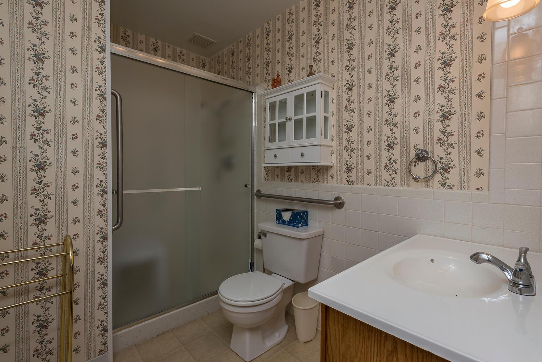 580 S Clinton St D Denver CO-large-014-18-Master Bath-1498x1000-72dpi.jpg