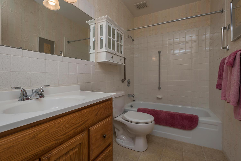 580 S Clinton St D Denver CO-large-016-22-Bathroom-1498x1000-72dpi.jpg
