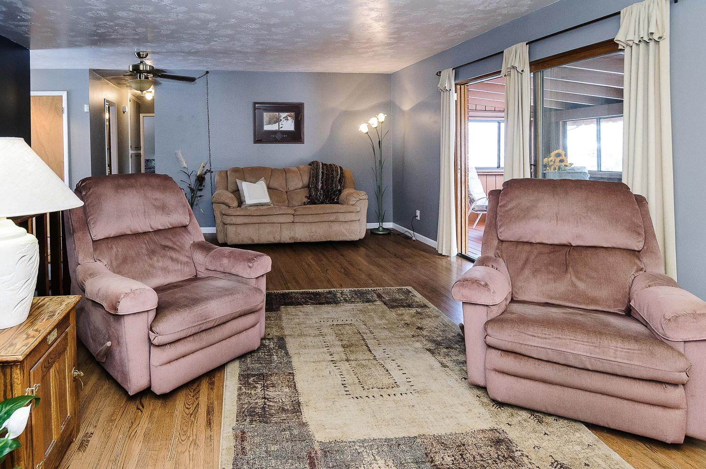 364 Xanadu St Aurora CO 80012-large-008-6-Family Room-1500x997-72dpi.jpg