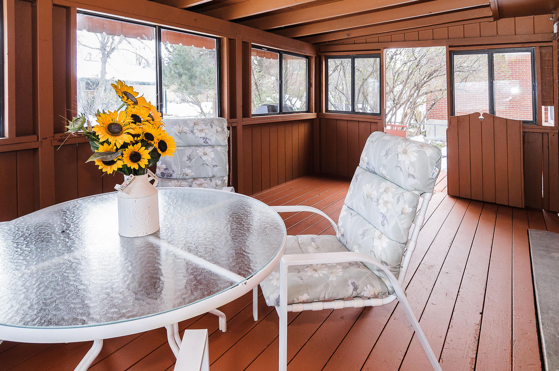 364 Xanadu St Aurora CO 80012-large-011-10-Sun Room-1500x997-72dpi.jpg