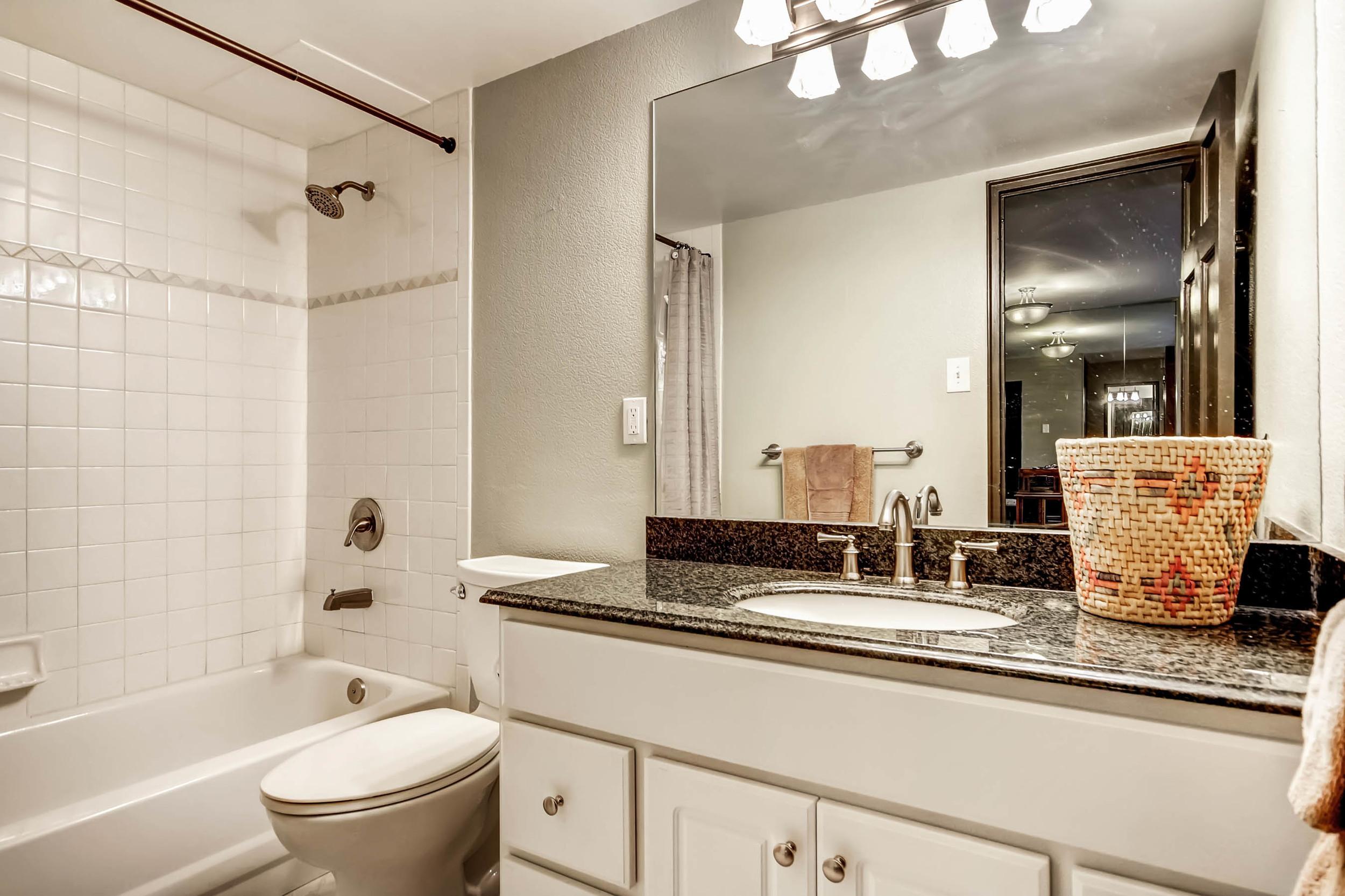 800 Washington St Unit 706-print-016-26-Master Bathroom-2700x1799-300dpi.jpg