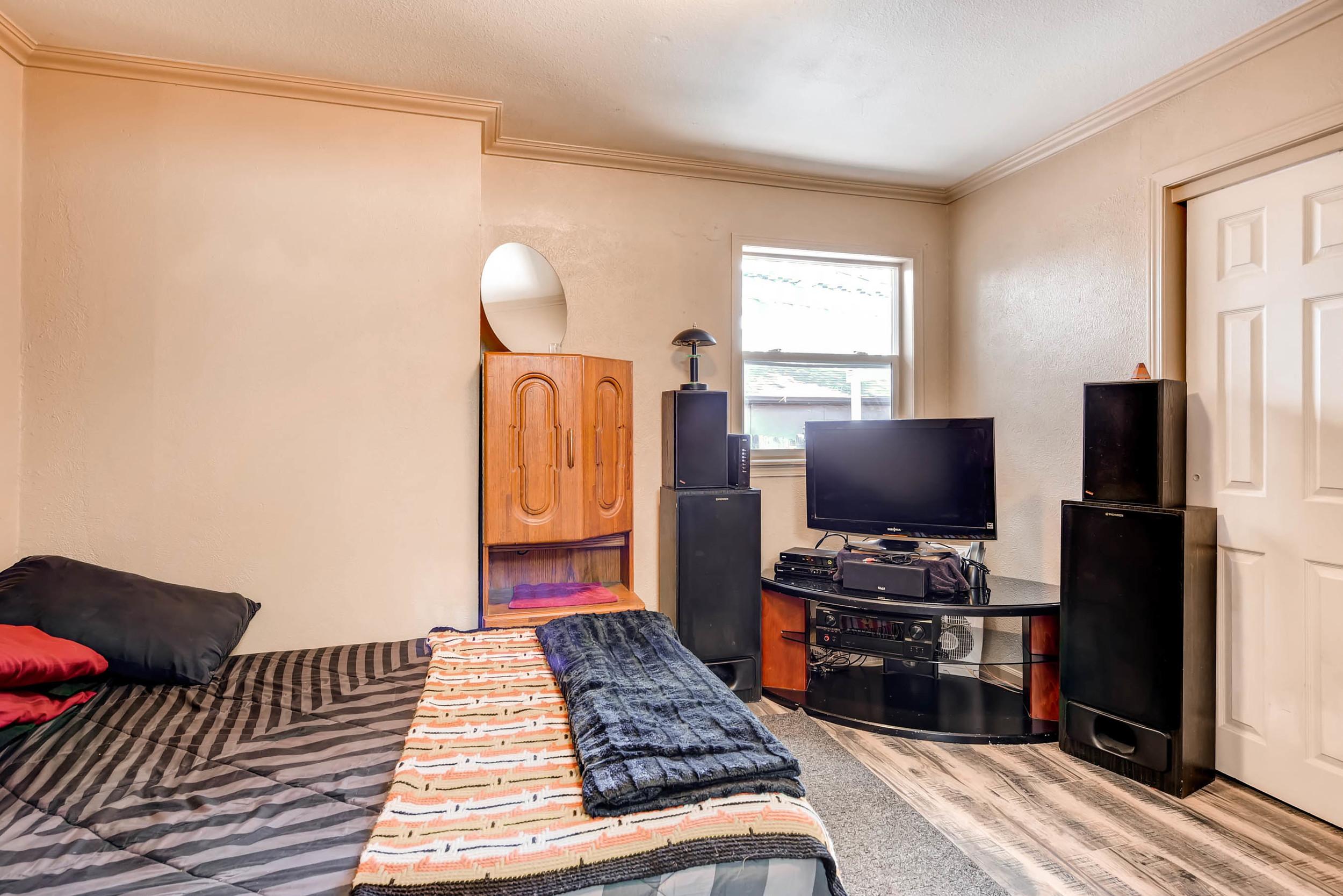 4224 S Cherokee St Englewood-print-018-13-Bedroom-2700x1800-300dpi.jpg