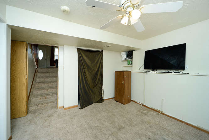 19023 E 16th Ave Aurora CO-small-016-12-Family Room-666x448-72dpi.jpg