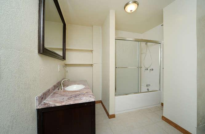 19023 E 16th Ave Aurora CO-small-018-2-Bathroom-666x439-72dpi.jpg