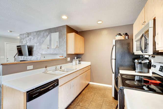 5215 E 100th Dr Thornton CO-small-013-7-Kitchen-666x444-72dpi.jpg
