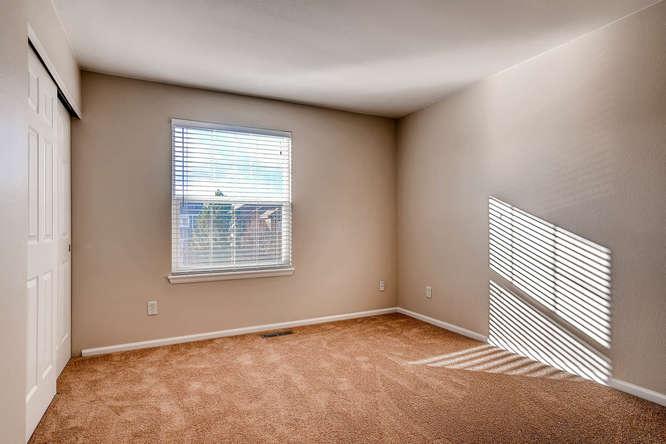 10094 Astorbrook Lane-small-017-7-2nd Floor Bedroom-666x445-72dpi.jpg