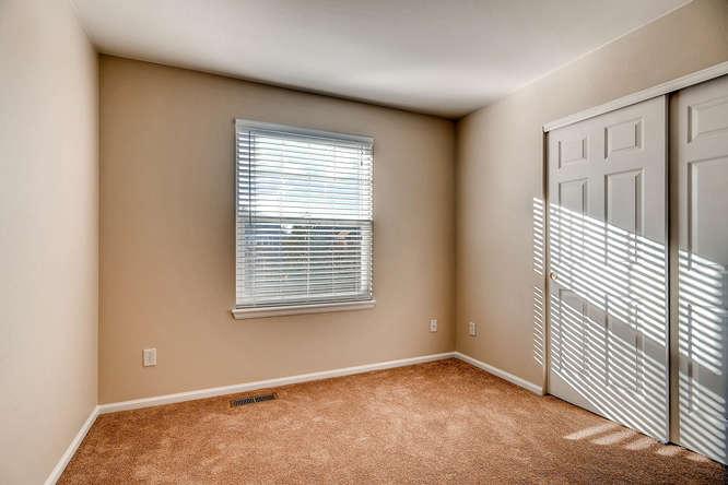 10094 Astorbrook Lane-small-019-26-2nd Floor Bedroom-666x445-72dpi.jpg