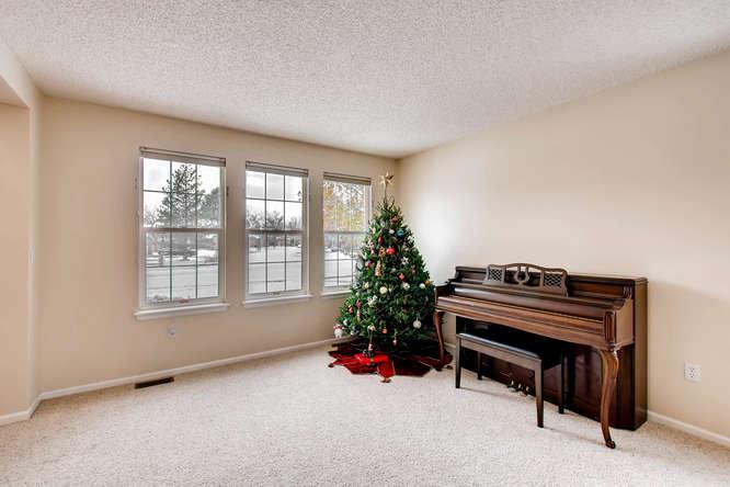 4201 Cottonwood Lakes Blvd-small-004-2-Living Room-666x444-72dpi.jpg