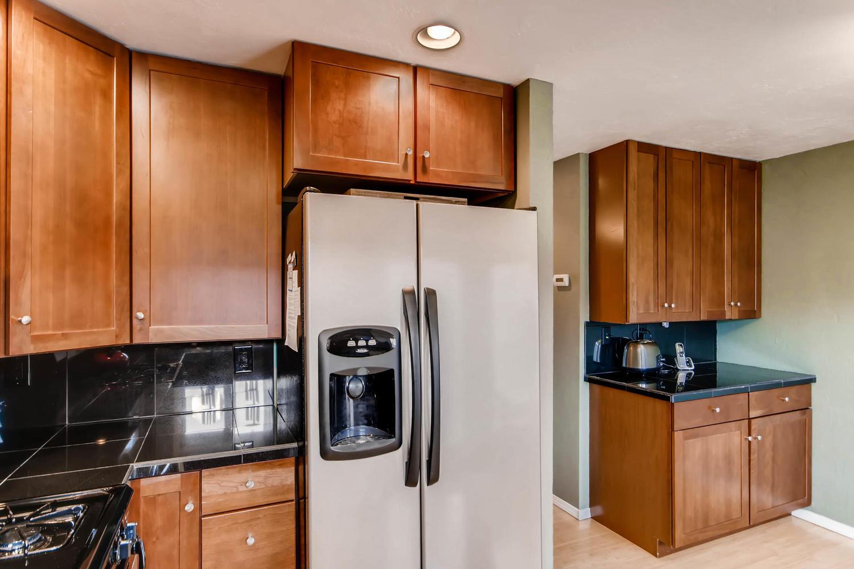 12979 W 20th Ave Golden CO-large-011-4-Kitchen-1500x1000-72dpi.jpg