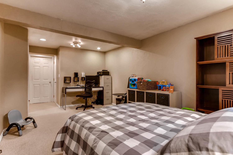 12979 W 20th Ave Golden CO-large-021-23-Lower Level Bedroom-1500x1000-72dpi.jpg