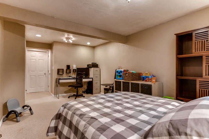 12979 W 20th Ave Golden CO-small-021-23-Lower Level Bedroom-666x444-72dpi.jpg