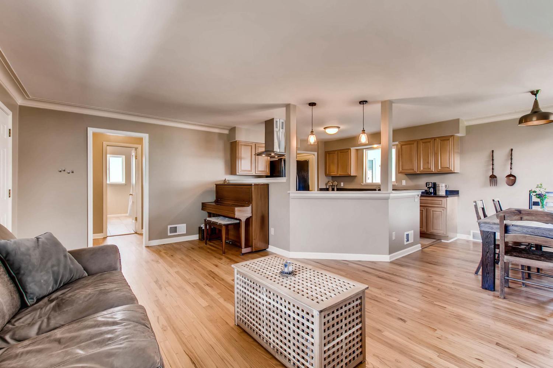 3071 Dexter St Denver CO 80207-large-007-16-Living Room-1500x1000-72dpi.jpg
