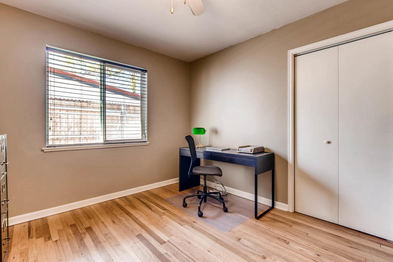 3071 Dexter St Denver CO 80207-large-020-20-Bedroom-1500x1000-72dpi.jpg