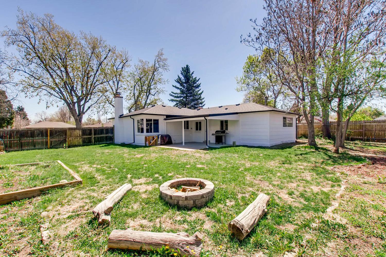 3071 Dexter St Denver CO 80207-large-026-26-Back Yard-1500x1000-72dpi.jpg