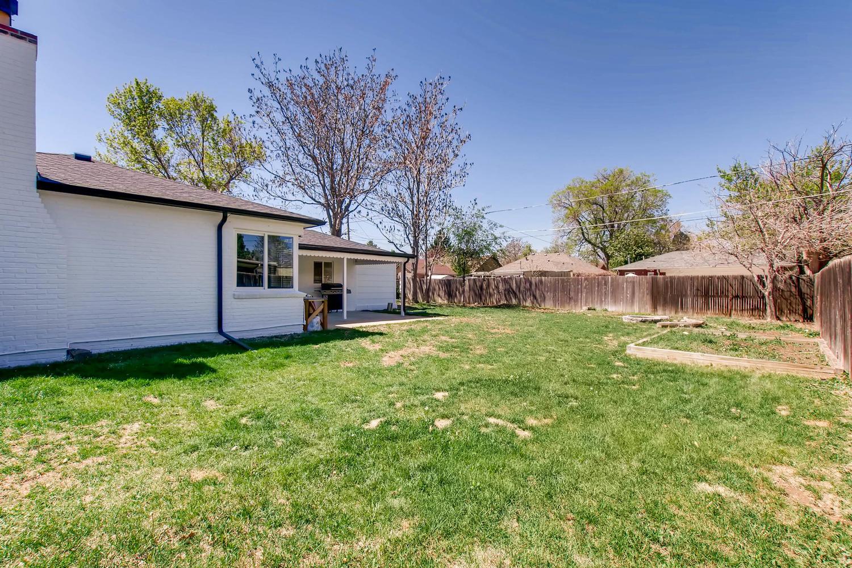 3071 Dexter St Denver CO 80207-large-027-21-Back Yard-1500x1000-72dpi.jpg
