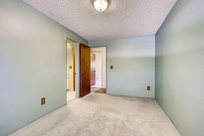 12985 W 20th Ave Golden CO-small-015-5-2nd Floor Master Bedroom-666x444-72dpi.jpg